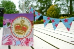 Mini bunting and Jubilee party invitation