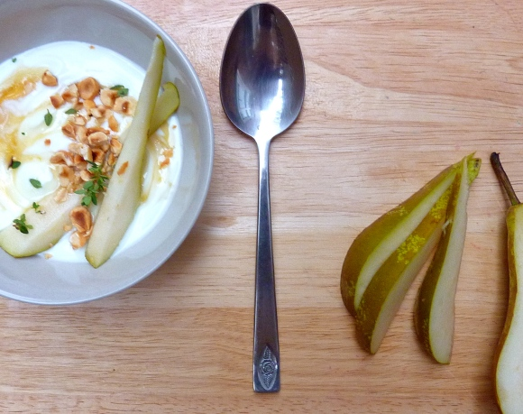 yoghurt with pear, honey and hazelnuts