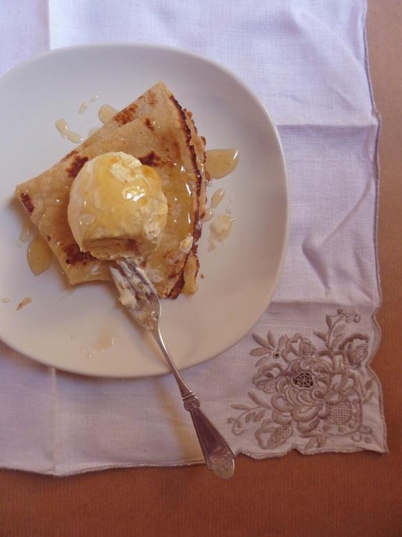 pancakes with honey and ice cream