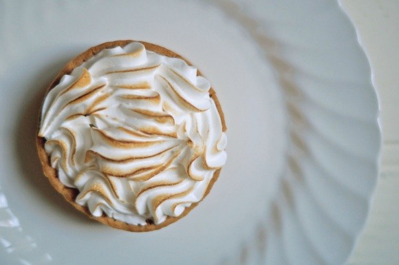 passion fruit meringue pie