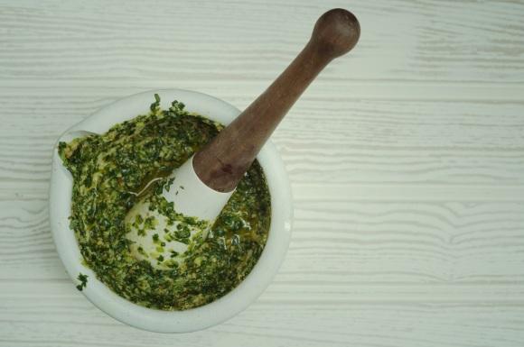 green garlic pesto