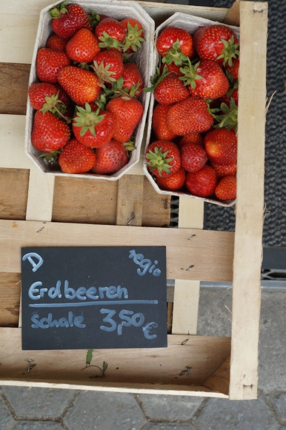 Strawberries - Berger Strasse, frankfurt