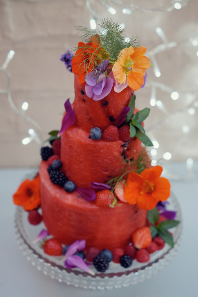 How To Do A Tiered Cake